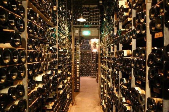 """Tourdargent.com nuotr./Restorano"""" La Tour d'Argent"""" vyno rūsys"""