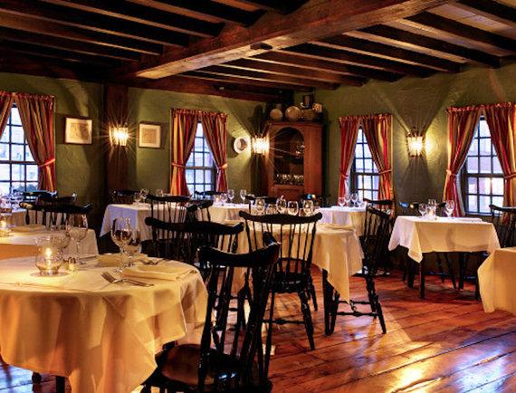 "Nuotr. iš en.wkipedia.org/""White Horse Tavern"" interjeras"