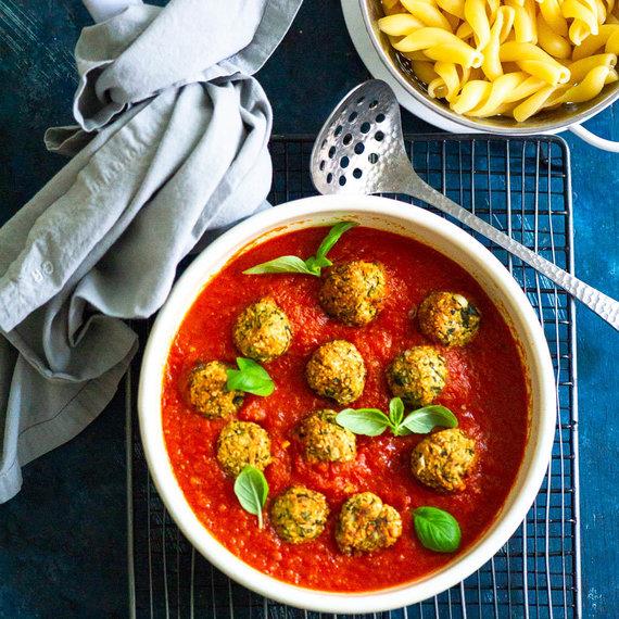 Nidos Degutienės nuotr. /Cukinijų maltinukai pomidorų padaže
