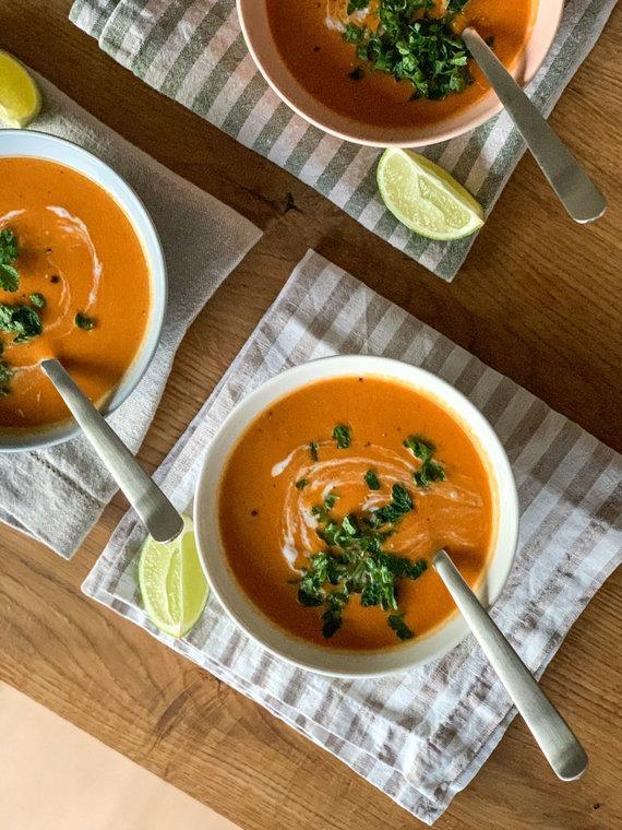 Autorės nuotr./Raudonųjų lęšių ir pomidorų sriuba su kokosų pienu