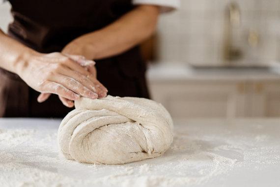 Organizatorių nuotr. /Duonos formavimas