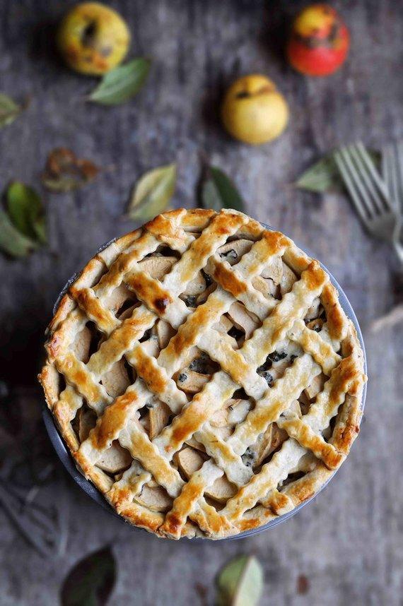Tinklaraštininkės nuotr./Pikantiškas obuolių pyragas su vištiena ir pelėsiniu sūriu