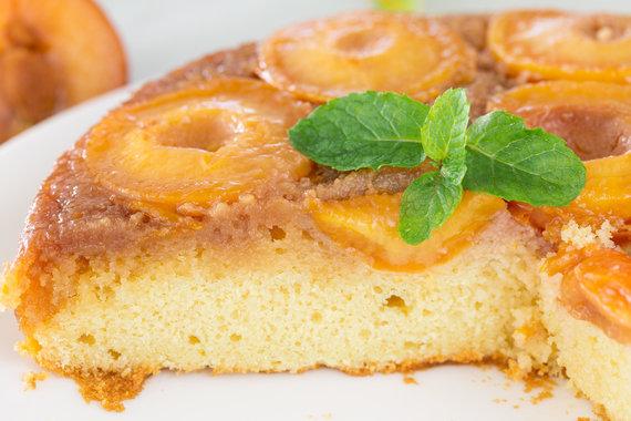 Vida Press nuotr./Slyvų pyragas su karamele