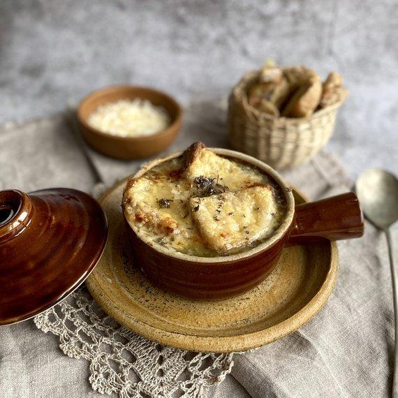 Autorės nuotr./Prancūziška svogūnų sriuba