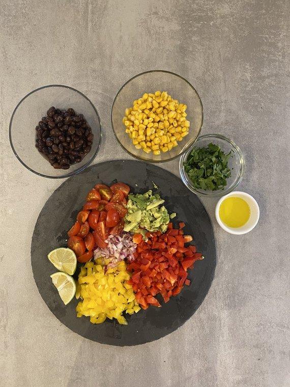 Tinklaraštininkės nuotr. /Meksikietiškų salotų ingredientai