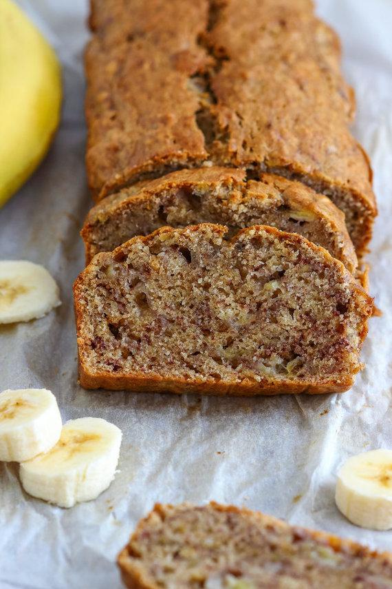 Vida Press nuotr./Sveikesnė bananų duona