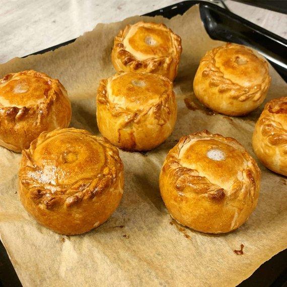 Tinklaraštininkės nuotr. /Angliški pyragėliai su kiauliena ir šonine