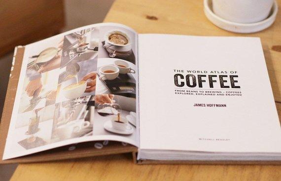 Vida Press nuotr./Knyga apie kavą