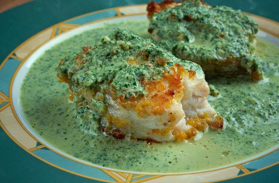"Vida Press nuotr./Žuvis su ""salsa verde"""