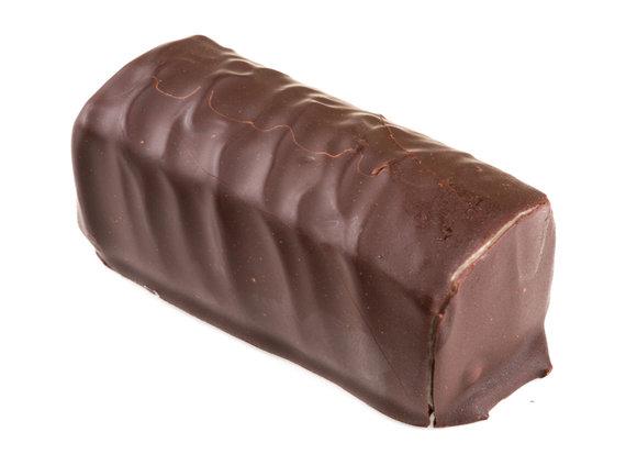 Vida Press nuotr./Šokoladu glaistytas varškės sūrelis