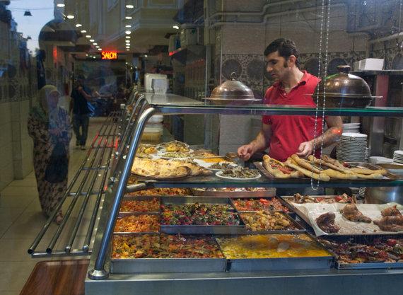 Vida Press nuotr./Maisto prekeivis Turkijoje