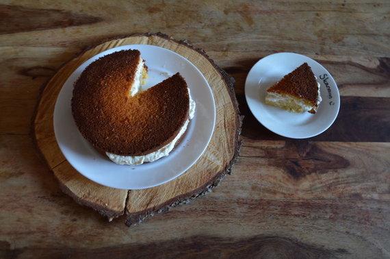Asmeninio albumo nuotr./Veganiškas apelsinų pyragas su vaniliniu kokosų kremu