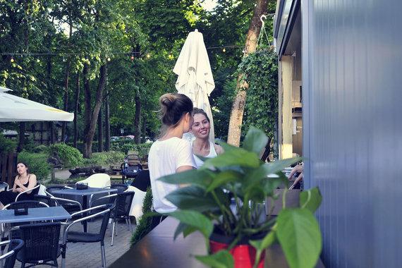 """Restorano archyvo nuotr./""""Vingio istorijos"""" terasa"""