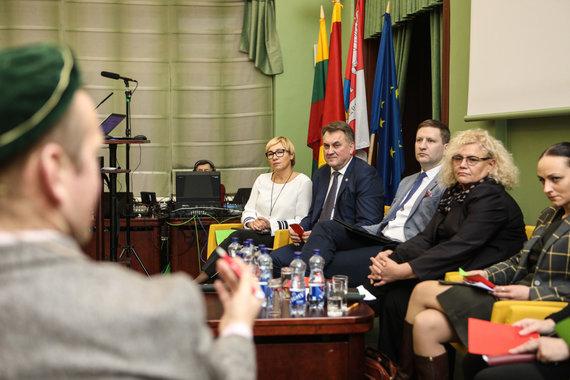 Eriko Ovčarenko / 15min nuotr./Debatų akimirka
