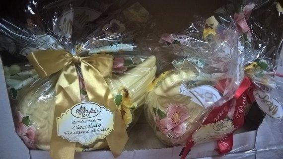"""""""Tavo Roma"""" nuotr./Vištų skulptūros iš baltojo šokolado"""