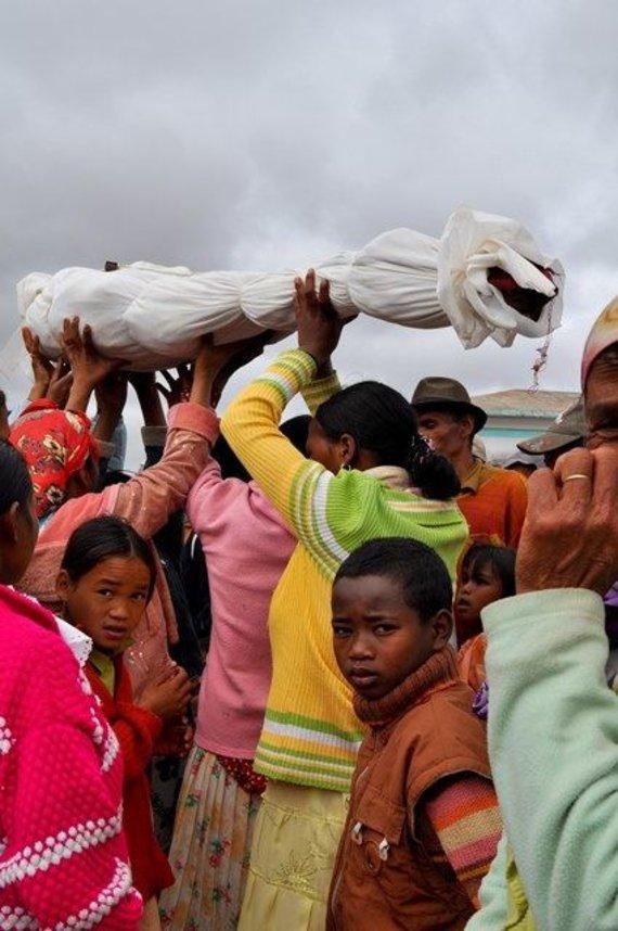 Shutterstock.com/Madagaskaras: Famadihana