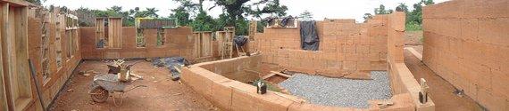 Asmeninė nuotr./P.Kliučininkas prisidėjo prie mokyklos statybos Afrikoje