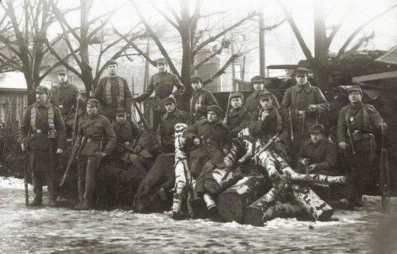 Mažosios Lietuvos istorijos muziejaus nuotr./Klaipėdos sukilimo dalyviai. 1923 m.