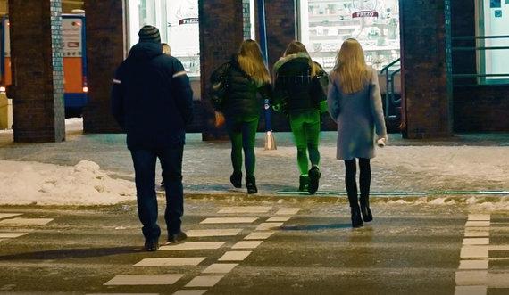 """Bendrovės """"Biseris"""" nuotr./Prie pėsčiųjų perėjų Klaipėdoje įrengtos LED juostos."""