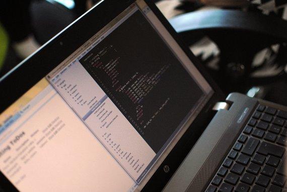 """Manodrabuziai.lt nuotr./Moterims ir merginoms skirtos programavimo dirbtuvės """"Rails Girls"""""""