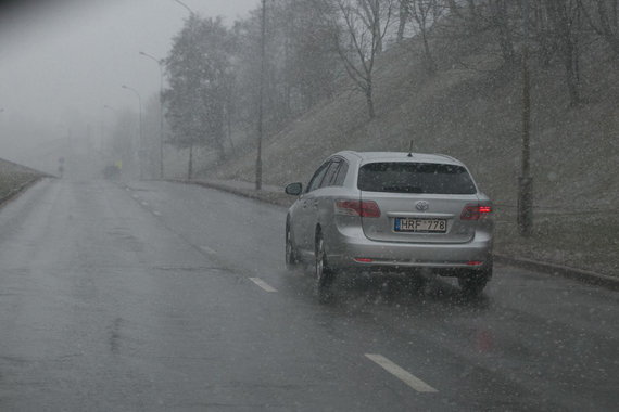 Juliaus Kalinsko / 15min nuotr./Sniegas gatvėje