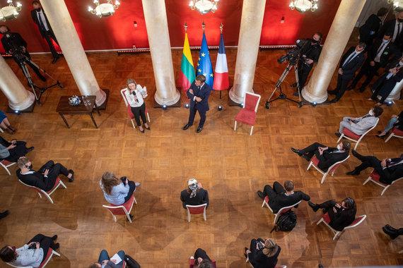 15min nuotr./E.Macrono diskusija su studentais Vilniaus universitete