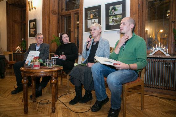 """Juliaus Kalinsko / 15min nuotr./Knygos """"Gib a kuk. Žvilgtelėk"""" pristatymas"""