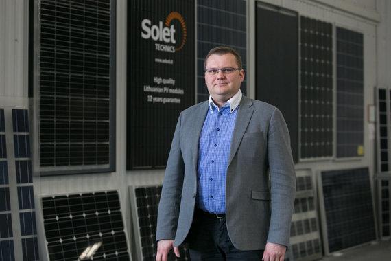 """Juliaus Kalinsko / 15min nuotr./Andrius Karazinas, bendrovės """"Solet Photovoltaics"""" vadovas"""