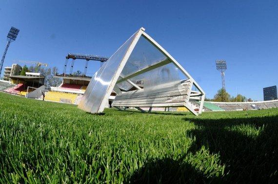 """Alfredo Pliadžio nuotr./Vandalų nuniokotas """"Žalgirio"""" stadionas"""