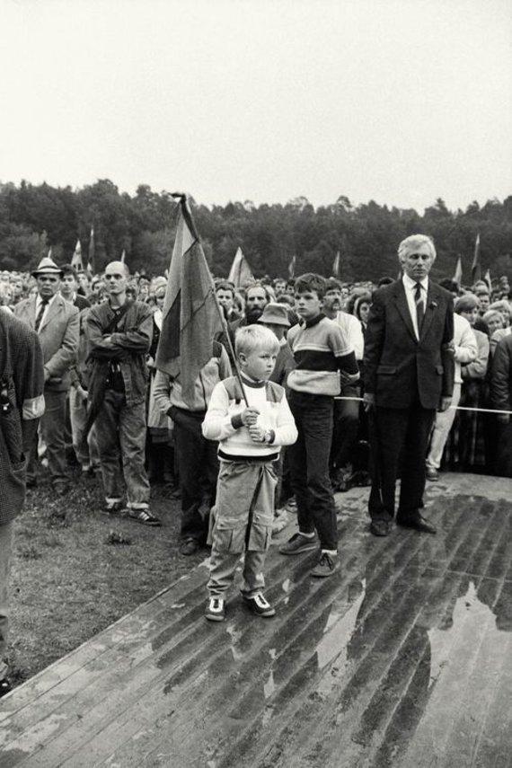 Leonardo Skirpsto nuotr./1988 m. rugpjūčio 23-oji, Sąjūdžio mitingas Vignio parke