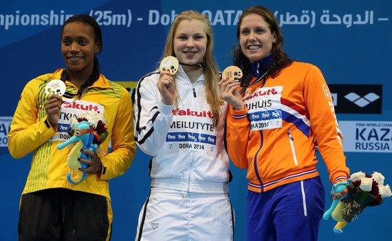 """AFP/""""Scanpix"""" nuotr./Alia Atkinson, Rūta Meilutytė ir Moniek Nijhuis"""