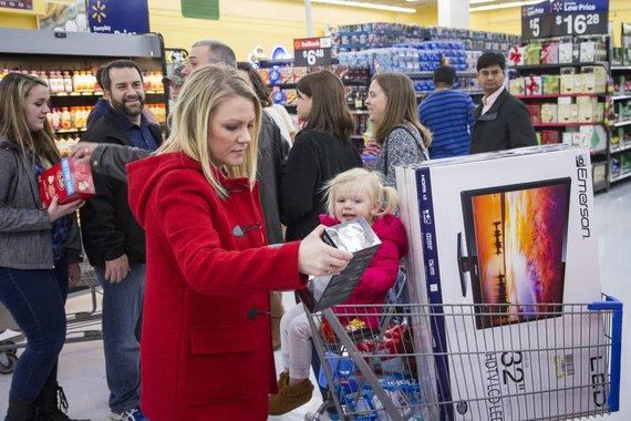 """""""Scanpix""""/AP nuotr./Juodojo penktadienio išpardavimas Jungtinėse Amerikos Valstijose"""