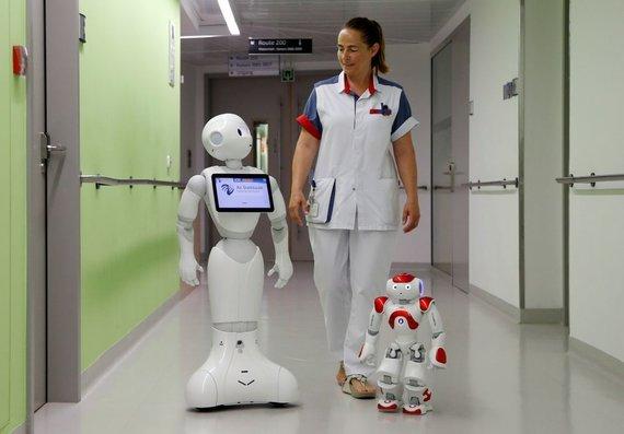 """""""Reuters""""/""""Scanpix"""" nuotr./Robotas pradėjo dirbti ligoninėje"""