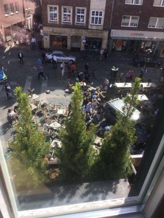 Twitter nuotr./Miunsteryje automobiliui įsirėžus į minią žuvo keli žmonės