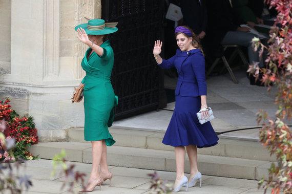 """""""Scanpix""""/""""PA Wire""""/""""Press Association Images"""" nuotr./Nuotakos mama Sarah Ferguson ir sesuo princesė Beatrice"""