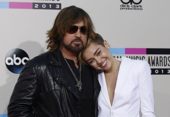 """Reuters""/""Scanpix"" nuotr./Billy Ray Cyrusas ir Miley Cyrus"