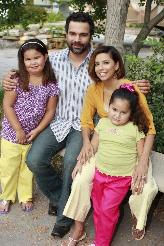 """Vida Press nuotr./Eva Longoria, Ricardo Chavira, Madison De La Garza ir Daniella Baltodano seriale """"Nusivylusios namų šeimininkės"""""""