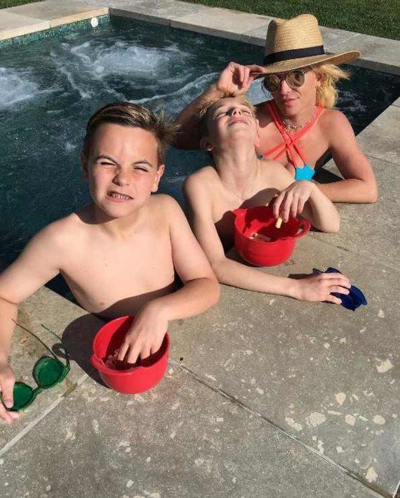 """Instagram"" nuotr./Britney Spears su sūnumis Seanu Prestonu ir Jaydenu Jamesu"