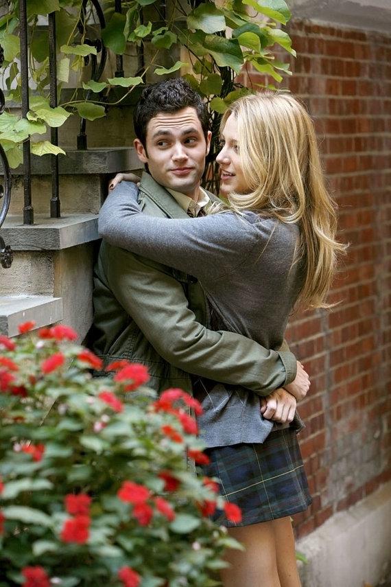 "Vida Press nuotr./Pennas Badgley ir Blake Lively seriale ""Gossip Girl"" (2007 m.)"