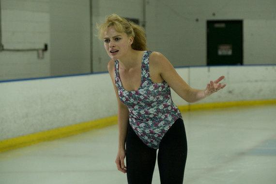 """Kadras iš filmo/Margot Robbie filme """"Aš, Tonya"""""""