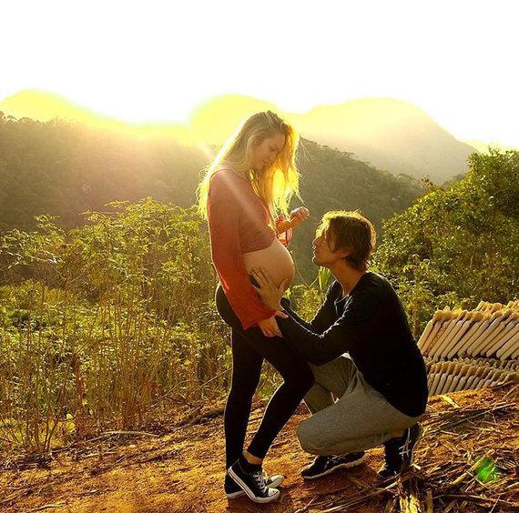 """Instagram"" nuotr./Candice Swanepoel ir Hermannas Nicoli"