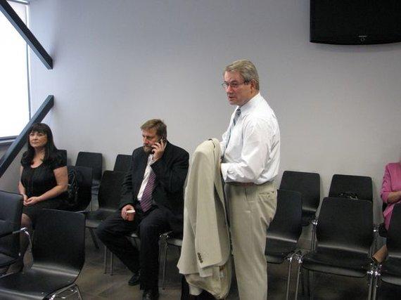 Eriko Ovčarenko / 15min nuotr./Iš kairės: B.Jablonskienė nuteista lygtinai, V.Vizbaras nuteistas 4 metams laisvės atėmimo, V.Muntianas išteisintas.