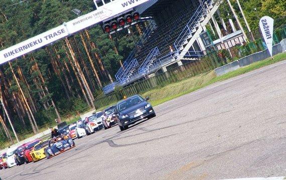 """Finance Group-GSR"" komandos nuotr./555 km lenktynės ""Bikernieki"" trasoje"