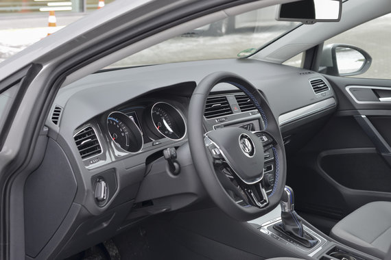 """Volkswagen e-Golf"""