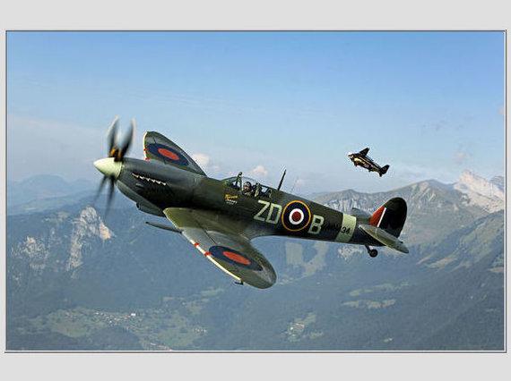 """Scanpix"" nuotr./Istorinis naikintuvas ""Spitfire"""