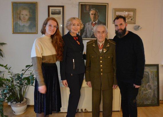 Angelė Jakavonytė su tėvu Juozu Jakavoniu-Tigru