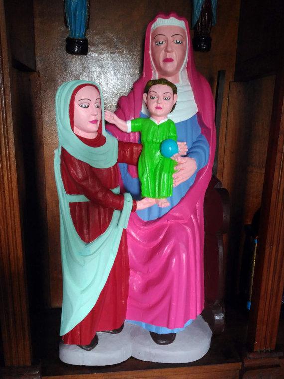 """AFP/""""Scanpix"""" nuotr./Ispanijoje nevykusiai restauruota mdinė Mergelės Marijosskulptūra"""