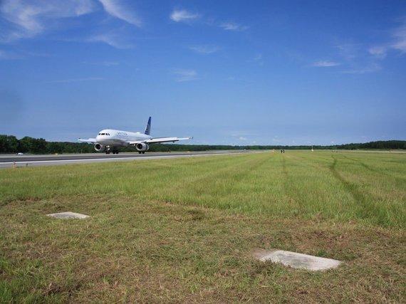 Savanos oro uosto nuotr./Kapavietės Savanos oro uosto aerodrome