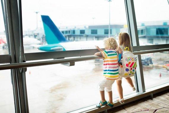 skrendu.lt nuotr./Vaikai oro uoste