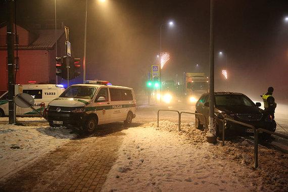 """kurjeris.lt/Mortos Mikutytės nuotraukos/Tauragėje """"Lexus"""" susidūrė su policijos automobiliu"""